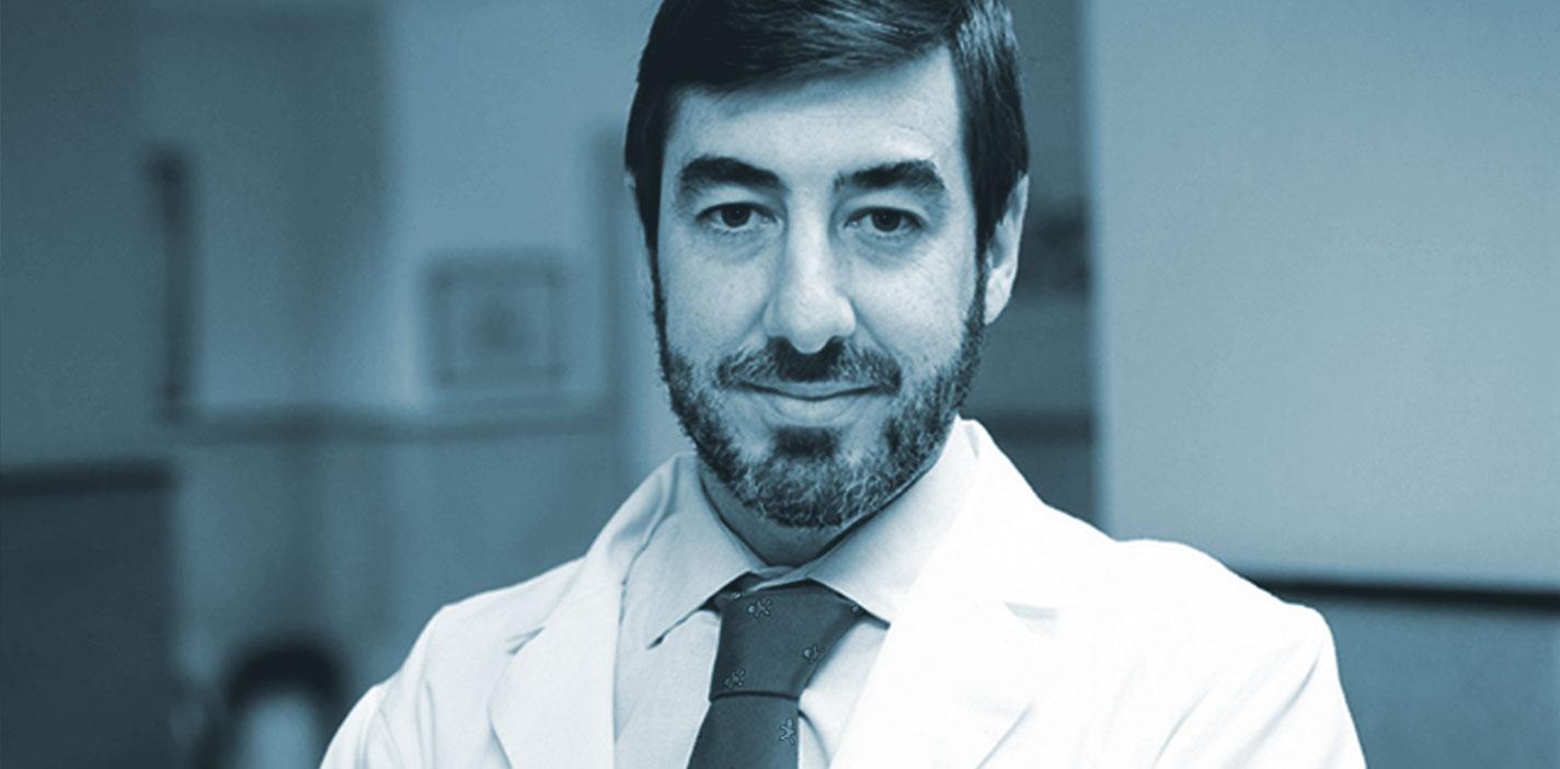 El Dr. José M. Trinidad, de HLA Jerez Puerta del Sur, pionero en el tratamiento del dolor crónico mediante neuroestimulador